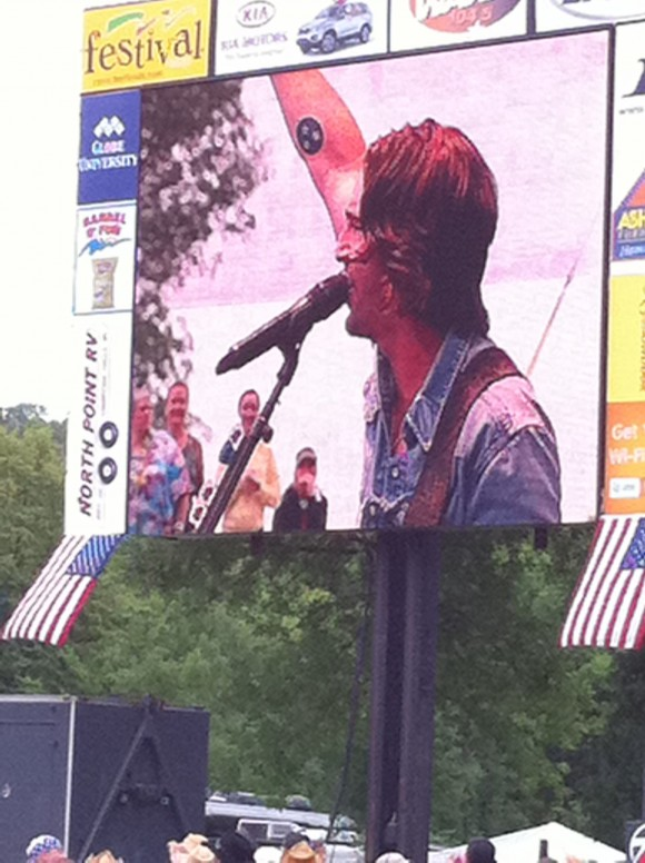 Jake Owen Live In Eau Claire 2010