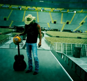 Kenny Chesney Lambeau